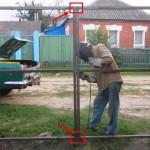 Установка профнастила на ворота: материалы и рекомендации