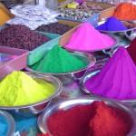 Как покрасить профнастил и выбрать краску правильно